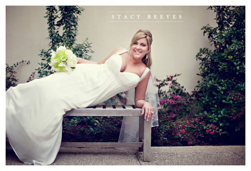 bridal portrait session of Courtney Walters at Belo Mansion in downtown Dallas by Dallas wedding photographer Stacy Reeves