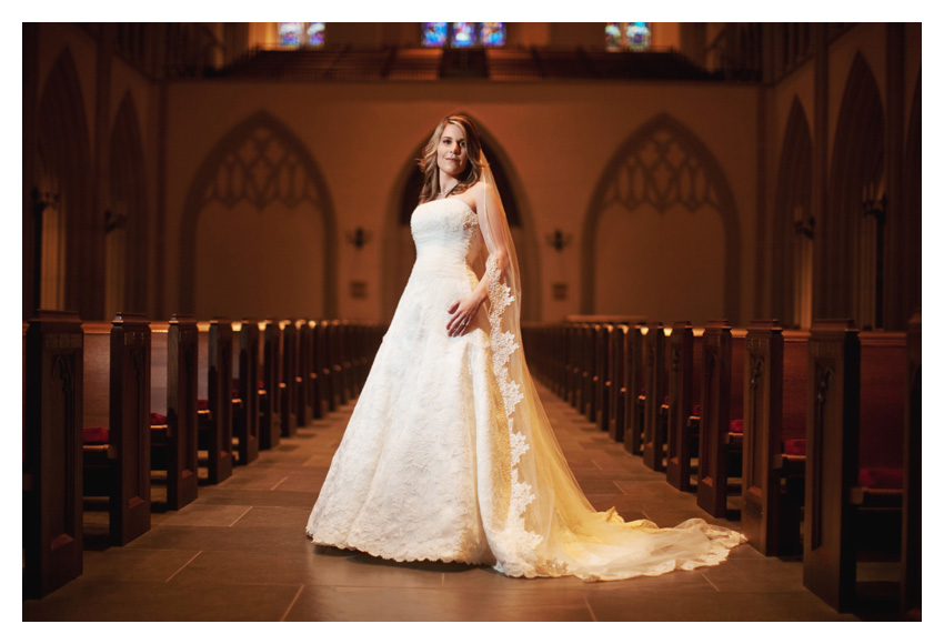 classic elegant timeless traditional bridal portraits of Jennifer Movassaghi Moffett by Dallas wedding photographer Stacy Reeves