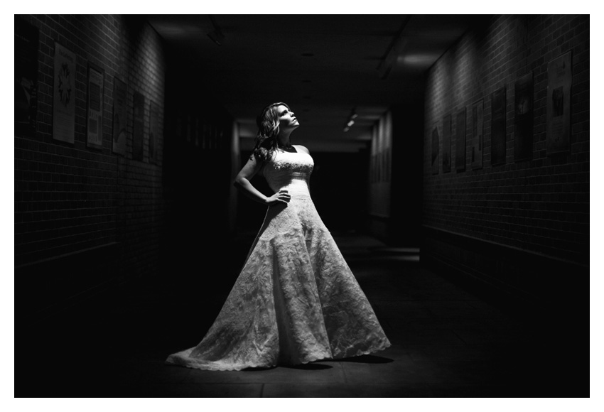 classic elegant timeless traditional bridal portraits of Jennifer Movassaghi Moffett by Plano wedding photographer Stacy Reeves