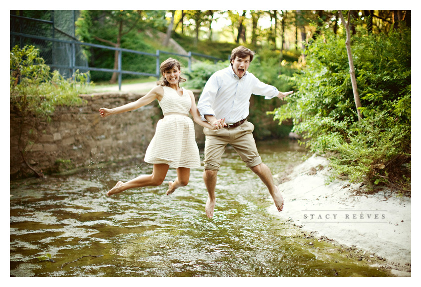 engagement session of Ashley Edrington and Matt Ashbaugh in Highland Park by Dallas wedding photographer Stacy Reeves