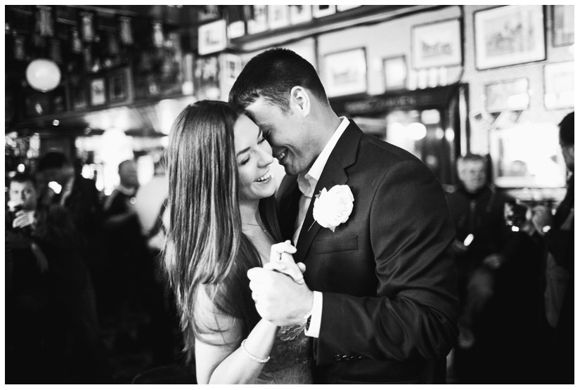 first dance of Erin Mazur and Tyler Hufstetler at Temple Bar in Dublin Ireland by destination wedding photographer Stacy Reeves