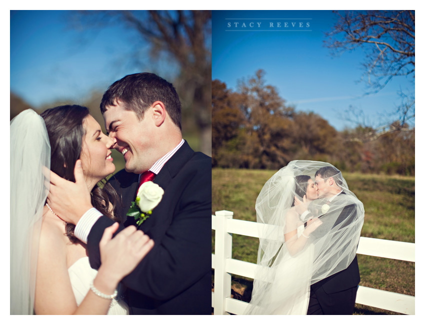Holly Harlan and Shane intimate Houston wedding elopement at Briscoe Manor by Dallas wedding photographer Stacy Reeves