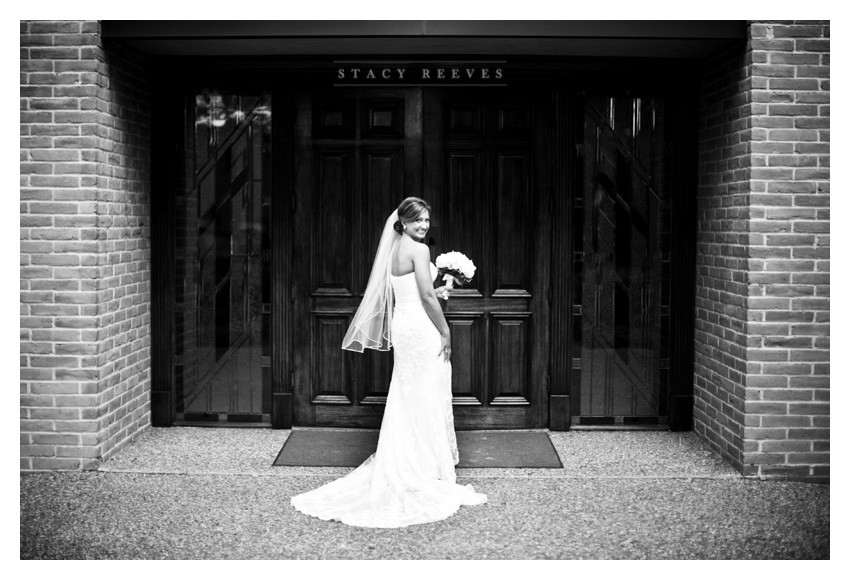 wedding of Stacy Bilnoski and John Matthew McEnaney in Houston by Dallas wedding photographer Stacy Reeves